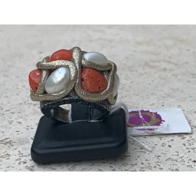 Coral/pearl ring